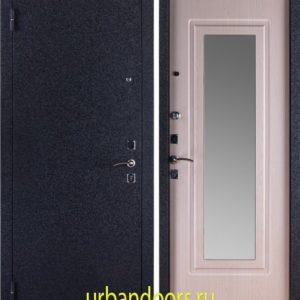 Заводские двери Триумф Крокодил в цвете Беленый Дуб с зеркалом