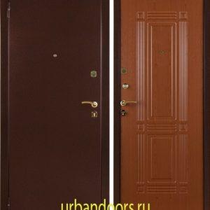 Заводские двери Триумф в цвете красный клен